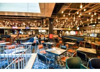 Restoranų zonos įrengimas: įrankiai, padėklai ir indų plovimo zona prekybos centre GO9
