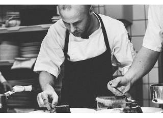 Nerūdijančio plieno gaminiai virtuvei: kodėl profesionaliai veiklai reikia rinktis būtent juos?